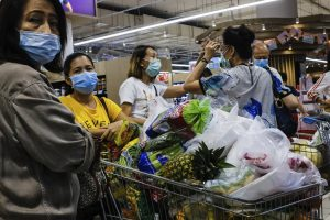 Half-million infected worldwide as economic toll rises