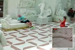 Tourist accidentally breaks off toe of 200-year-old sculpture in Italian museum whilst taking selfie